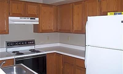 Kitchen, 111 Hiawatha Trail, 2