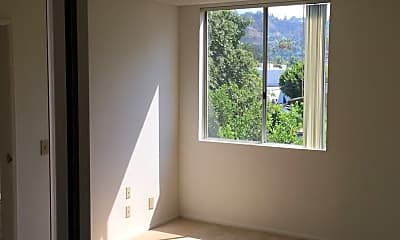 1425 N Sierra Bonita Ave, 2