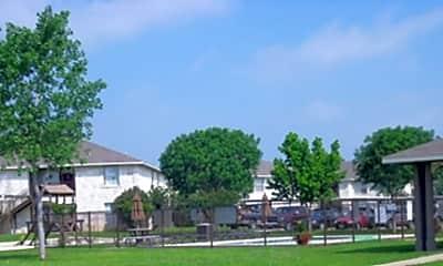 Highland Oaks, 2