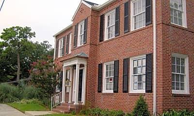 Building, 2055 Herschel St 3, 1
