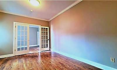 Living Room, 151 Sip Ave 21, 1
