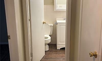 Bathroom, 1727 Henry St, 2