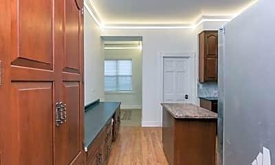 Bathroom, 3152 N Pine Grove Ave, 1