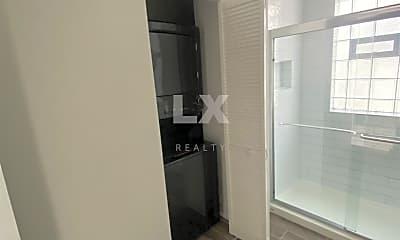 Bathroom, 2406 N Tripp Ave, 2