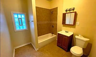 Bathroom, 414 W Englewood Ave, 2