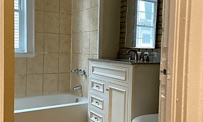 Bathroom, 117 Enfield St, 2