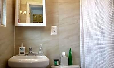 Bathroom, 204 Freeman St, 2