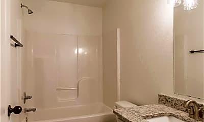 Bathroom, 1720 N Chestnut Ave, 2