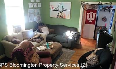 Living Room, 429 S Henderson St, 1