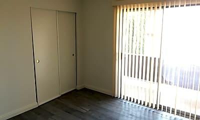 Bedroom, 922 W Duarte Rd, 2