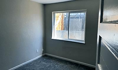 Bedroom, 2425 W Platte Ave, 2