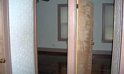 Bathroom, 334 N Charles St, 2