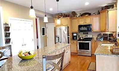 Kitchen, 122 Southridge Dr, 1