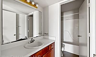 Bathroom, 418 Jack Miller Blvd, 2