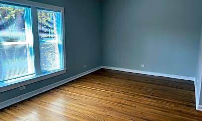 Living Room, 4712 N Racine Ave 1S, 1