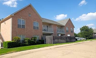 Oak Creek Apartments, 0