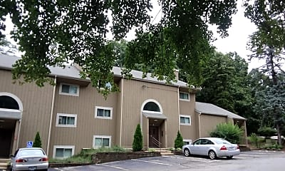 Meshanticut House Apartments, 2