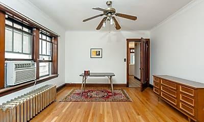 Living Room, 4434 W Altgeld St, 2