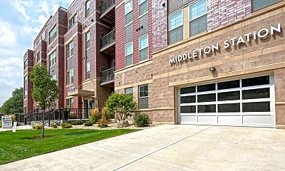 Building, Middleton Station Apartments, 0