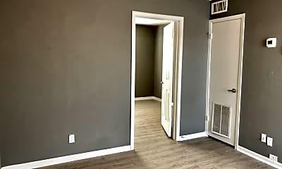 Bedroom, 420 N Gilmer St Apt 4, 1