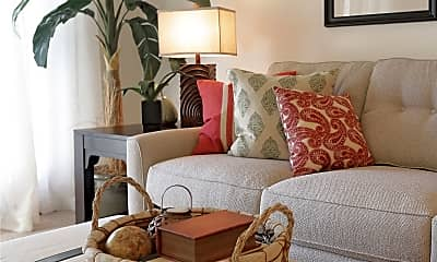 Living Room, The Country Club Apartments, 2