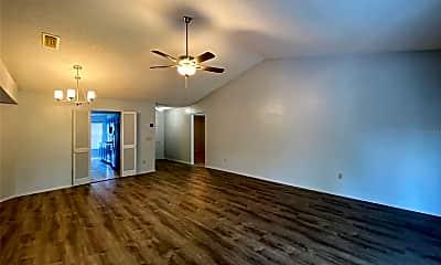 Living Room, 1005 Black Willow Dr, 1