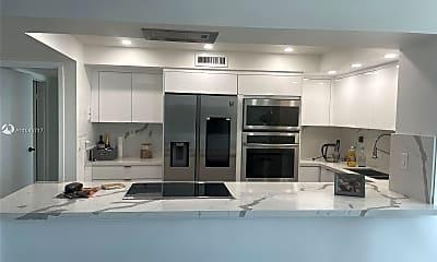 Kitchen, 2655 Collins Ave 708, 1