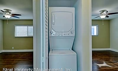 Bathroom, 3670 Park Blvd, 2