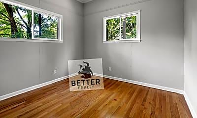 Living Room, 911 Fiske St, 2