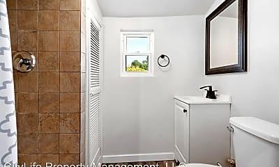 Bathroom, 613 W Main St, 1