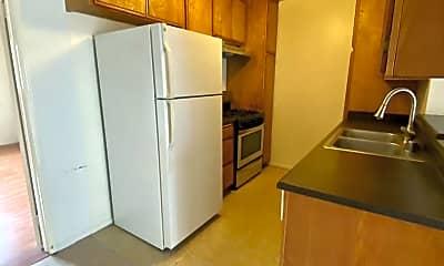 Kitchen, 3666 Clarington Ave, 2
