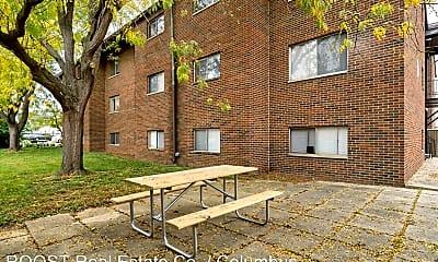 Building, 515 Riverview Dr, 2