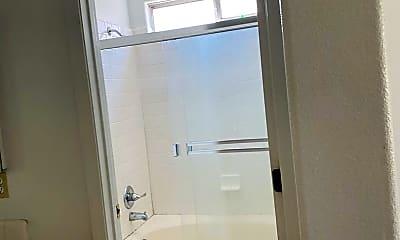 Bathroom, 2705 S Aspen St, 2
