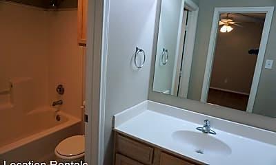 Bathroom, 6614 90th St, 2