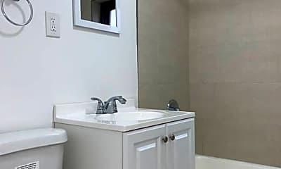 Bathroom, 60 S Munn Avenue, 2