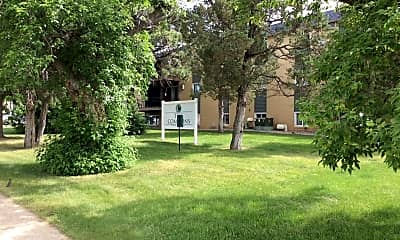 Building, 417 2nd St E, 1
