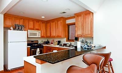Kitchen, 824 W Buckingham Pl, 1