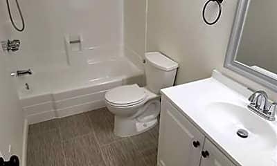 Bathroom, 1131 West St, 1