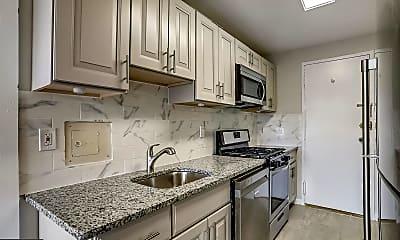 Kitchen, 10201 Grosvenor Pl 1006, 1
