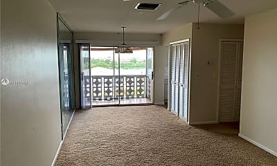 Living Room, 941 Crystal Lake Dr 408, 0