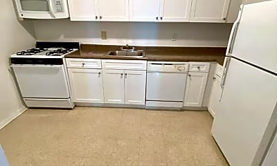 Kitchen, 157 White Plains Rd 41U, 1