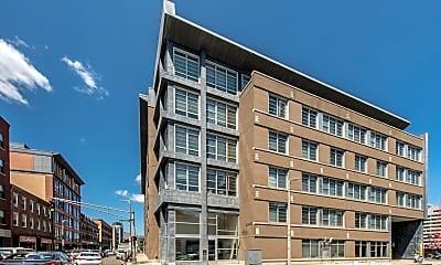 Building, 160 E Berkeley St, 1