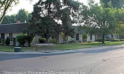 Pool, 601 W Granger Ave, 2