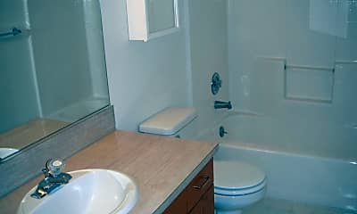 Bathroom, 915 SE 153rd Ave, 2