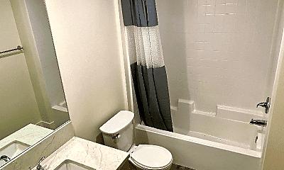 Bathroom, 662 Kelton Ave, 2