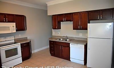 Kitchen, 884 E Livingston Ave, 1