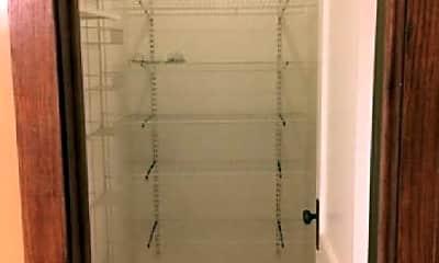 Bathroom, 3730 W Lyndale St, 2