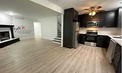 Living Room, 3828 SW Harbor Dr, 1