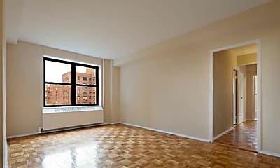 Riverton Square Apartments, 1