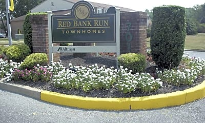 Landscaping, Red Bank Run Townhomes, 1